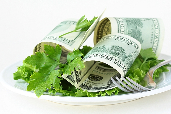 money-diet-salad